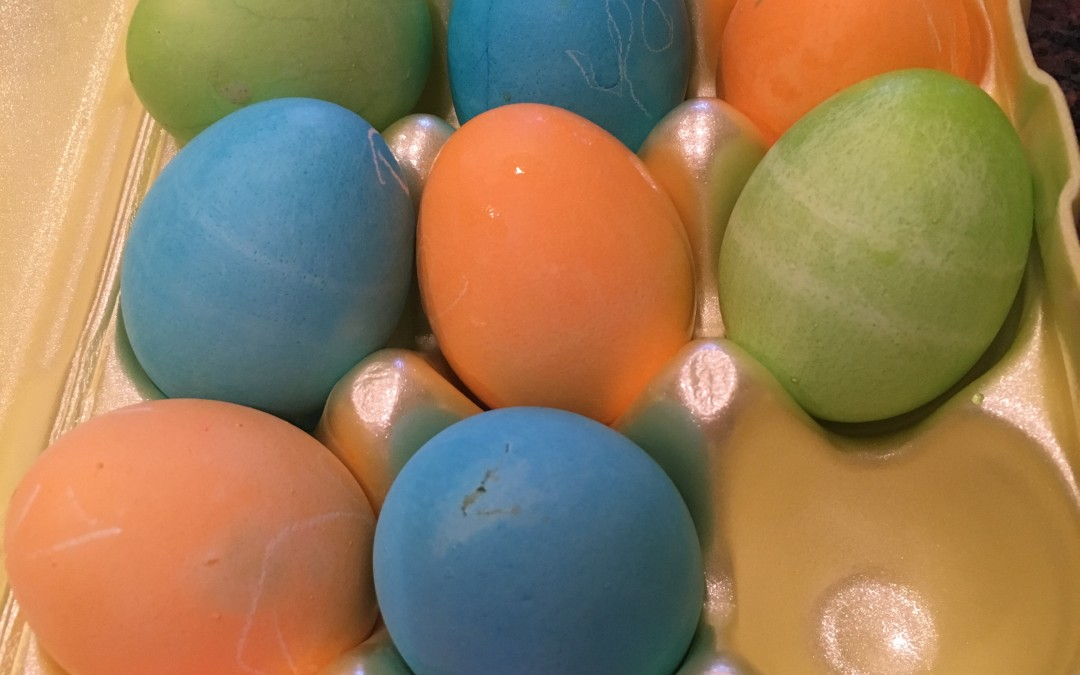 Mom Hacks For Dying Easter Eggs With Kids
