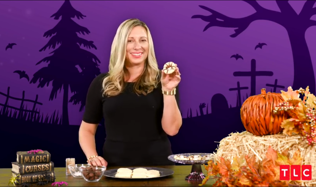 Halloween Hacks– Spider Cookies and Glowing Jars