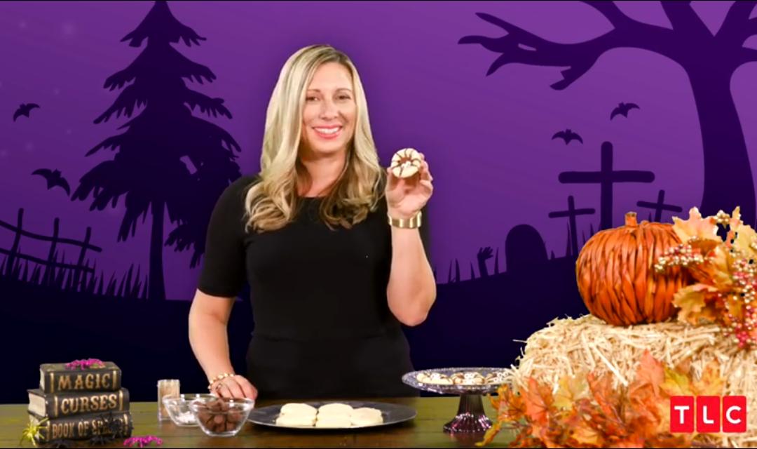 Halloween Hacks– Spider Cookies and Glowing Jars